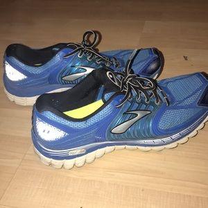 Men's Brooks running shoes size 11.5